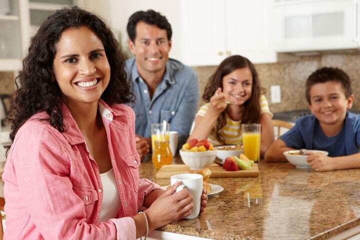 عادات غذایی خانواده برای لاغری کودکان