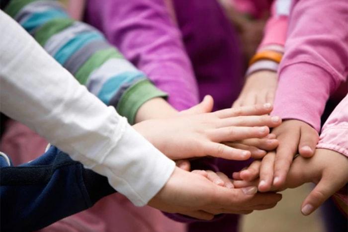 تشویق به تعامل اجتماعی