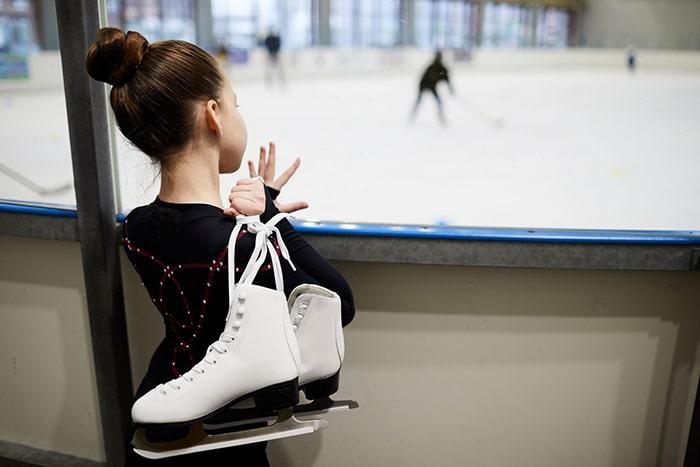 پیست اسکیت روی یخ بهترین پاتوق برای نوجوانان است