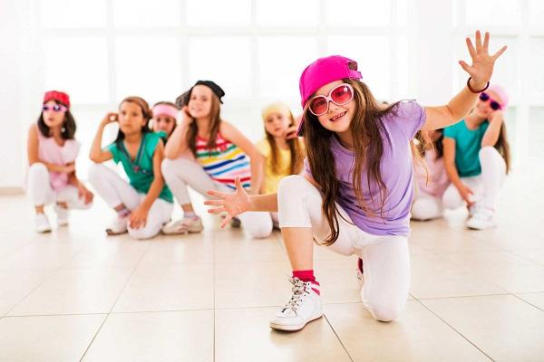 رقص یا ژیمناستیک؟ ژیمناستیک تنوع بیشتری دارد