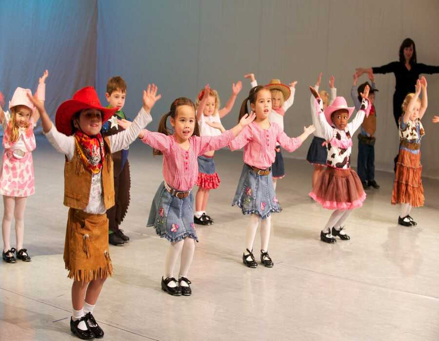 رشد کودک با رقص