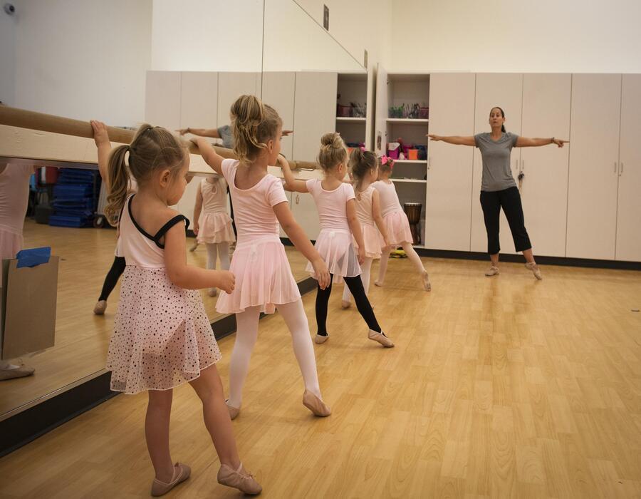 تاثیر رقص باله برای دانش اموزان